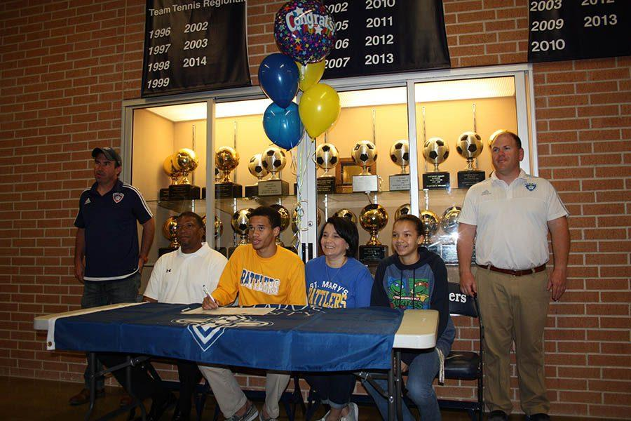 Defender of the year signs with Saint Mary's