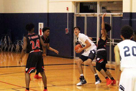 Basketball starts winning streak