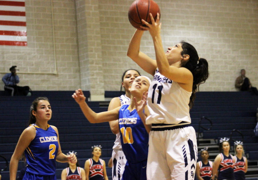 Senior+Alyssa+Marin+goes+up+for+the+layup+in+a+game+against+Clemens+last+season.