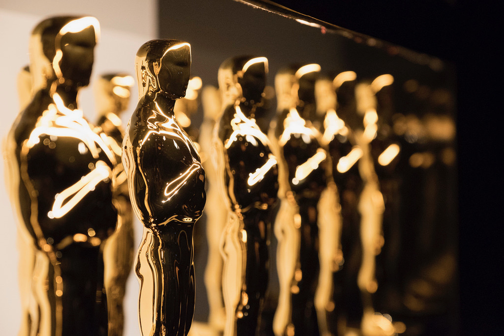 At the end of the ceremony, 24 statuettes were awarded to the best in film: actors, directors, soundtracks,  the behind-the-screen departments, etc.