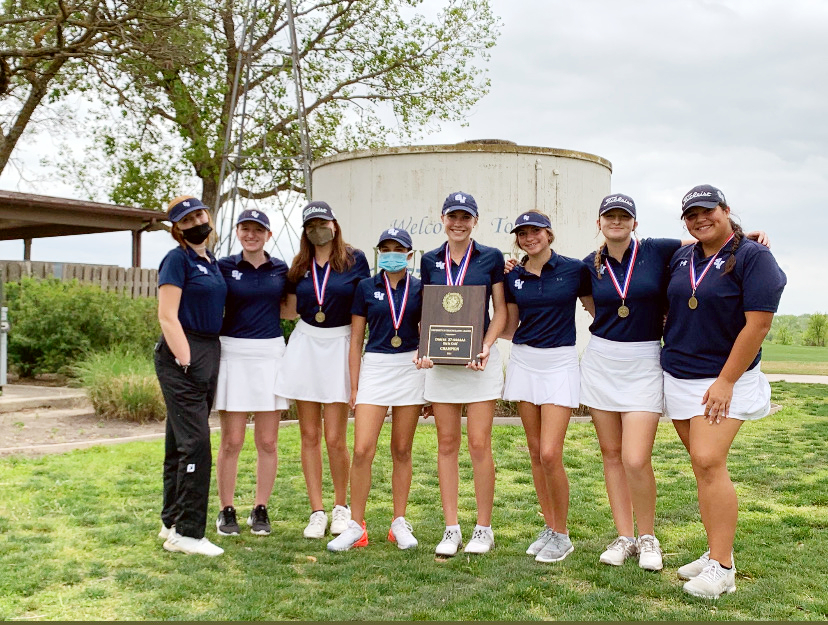 Both the girls and boys golf teams placed first in district, and they will move on to the regional tournament on April 19-22.