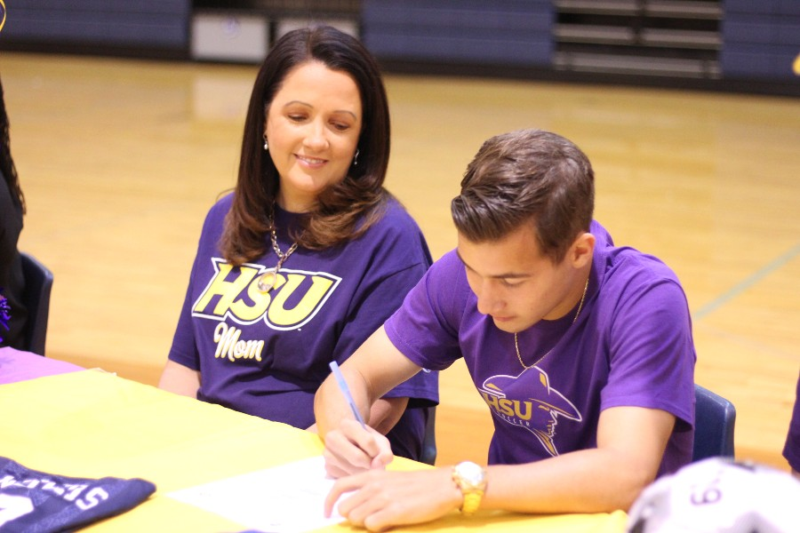 Teag Maples signed to play soccer at Hardin-Simmons University.